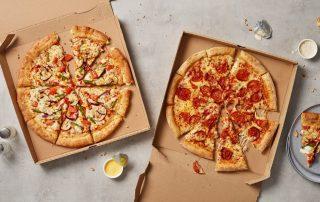 بابا جونز من حانة مديونة إلى أكبر سلاسل مطاعم البيتزا